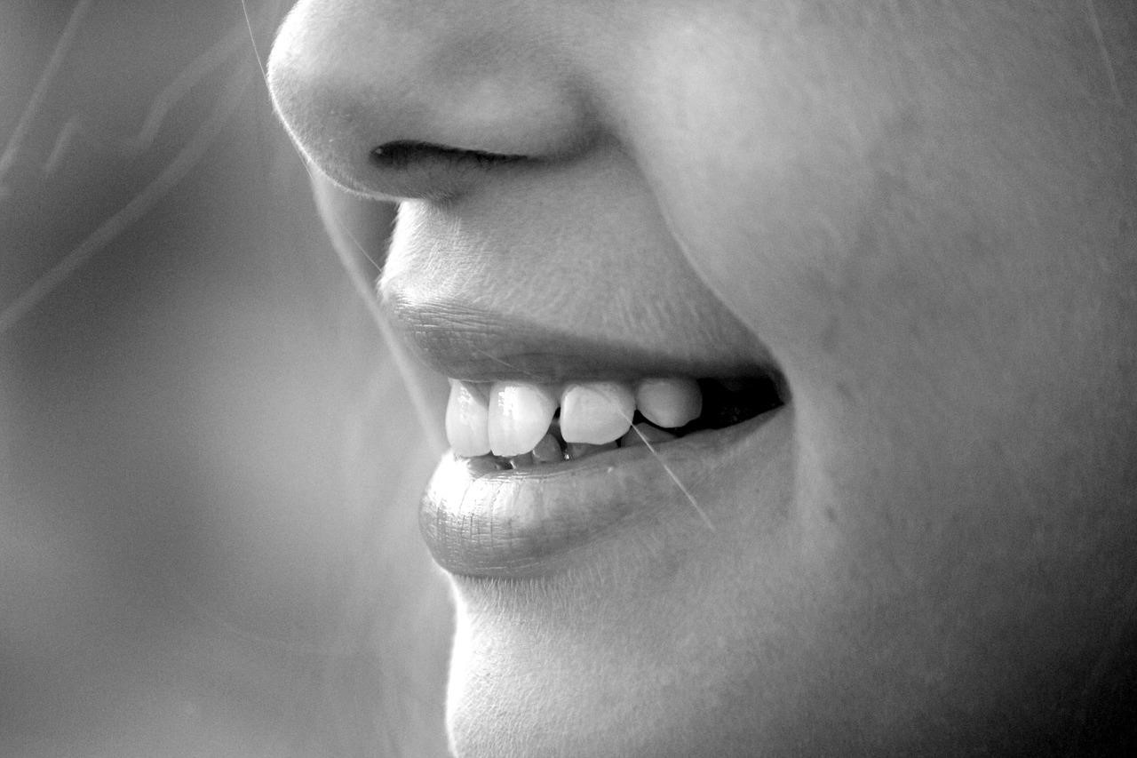 Meta-description: A mordida profunda é um dos problemas odontológicos mais comuns. Conhecer as causas e os tipos de tratamento é fundamental para solucionar essa alteração dentária. Fonte: Google.